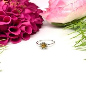 NEW⚜️STERLING SILVER Dainty Daisy Little Ring